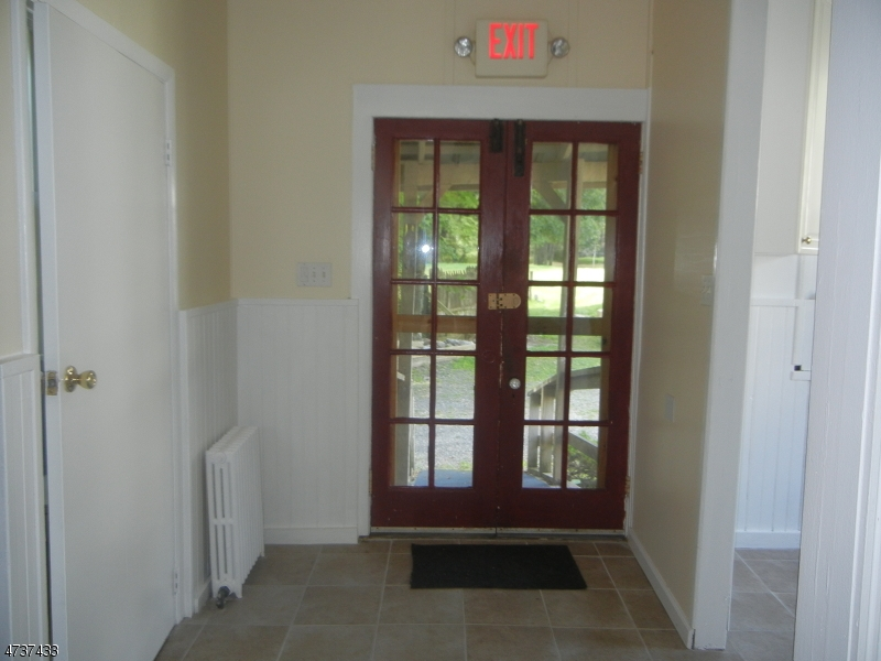 Additional photo for property listing at 307 MAIN ST-MOUNTAINVILLE  Tewksbury Township, New Jersey 08833 États-Unis