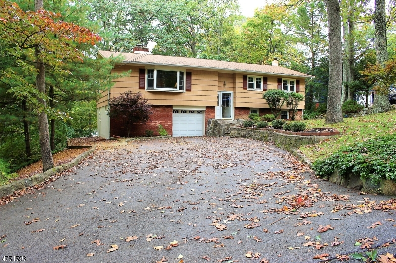 Single Family Home for Sale at 15 Fox Trail 15 Fox Trail Hardyston, New Jersey 07460 United States