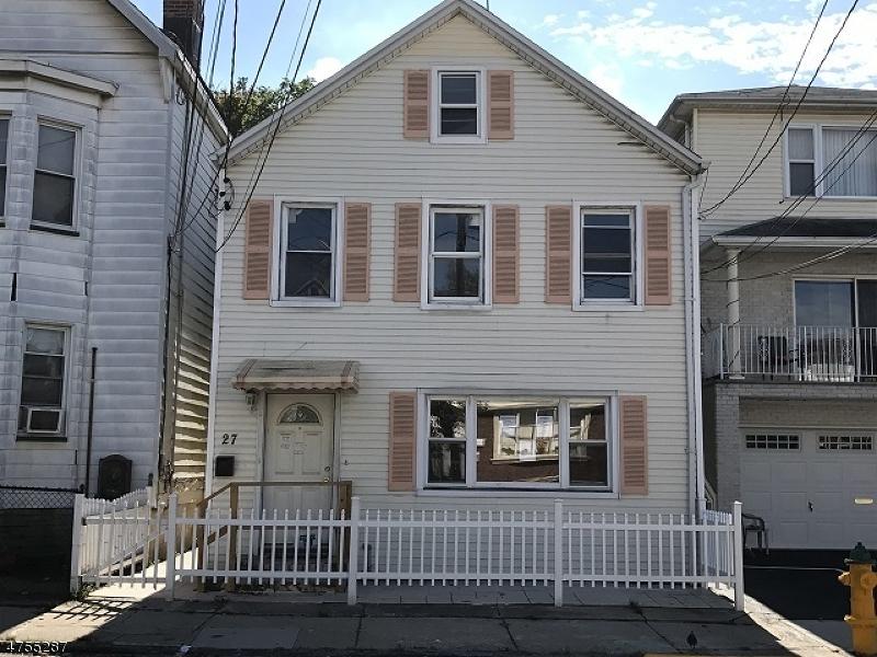 独户住宅 为 销售 在 27 Reynolds Avenue Harrison, 新泽西州 07029 美国
