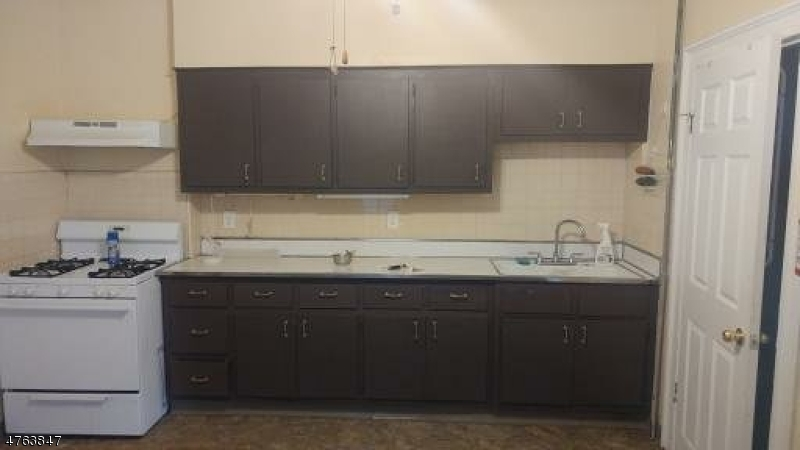 独户住宅 为 出租 在 26 Harrison Street Belleville, 新泽西州 07109 美国