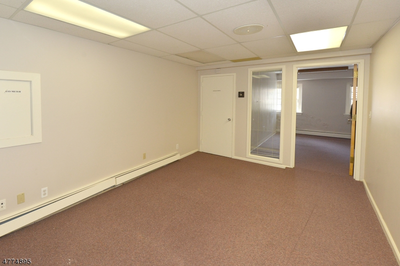 Additional photo for property listing at 320 Runnymede Road  Essex Fells, New Jersey 07021 Verenigde Staten