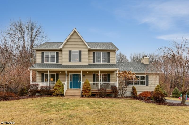Einfamilienhaus für Verkauf beim 303 Hillside Ter 303 Hillside Ter Fredon Township, New Jersey 07860 Vereinigte Staaten