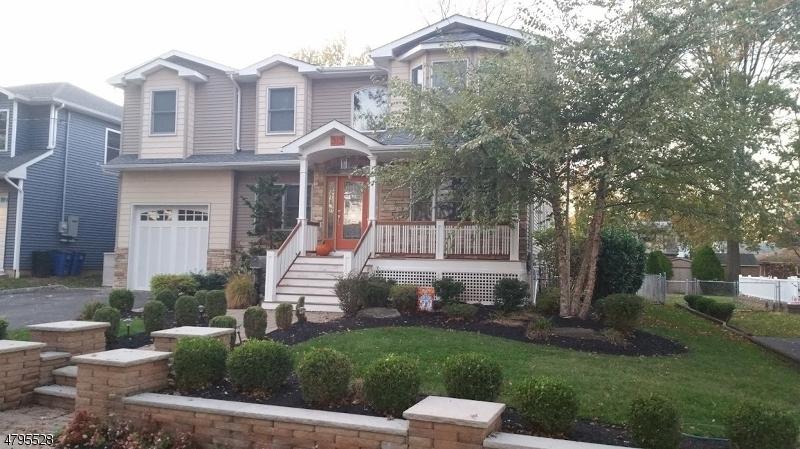 独户住宅 为 销售 在 313 Denman Road 克兰弗德, 新泽西州 07016 美国