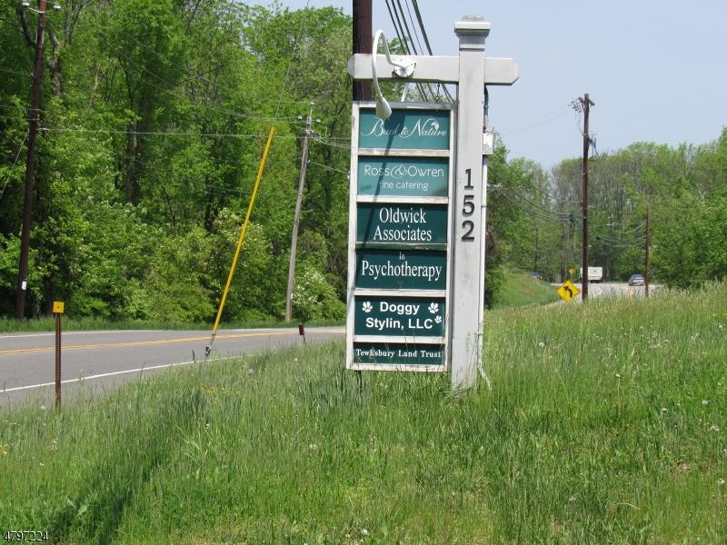 Comercial por un Alquiler en 152 OLDWICK Road Tewksbury Township, Nueva Jersey 08858 Estados Unidos