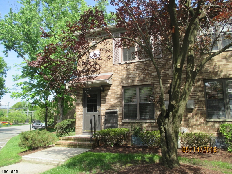 Condo / Townhouse for Rent at 181 Long Hill Rd, L-1 Little Falls, New Jersey 07424 United States