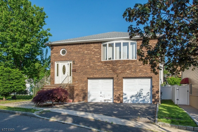 独户住宅 为 销售 在 86 Riverview Avenue North Arlington, 新泽西州 07031 美国