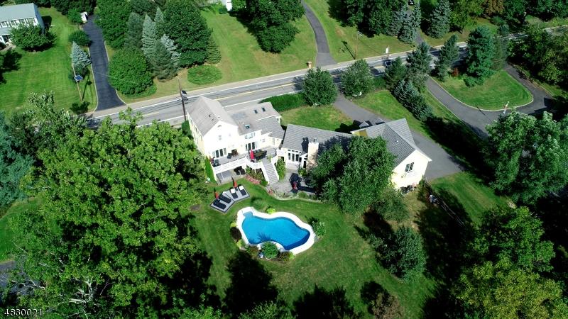 Maison unifamiliale pour l Vente à 1340 WASHINGTON VALLEY Road Bridgewater, New Jersey 08807 États-Unis