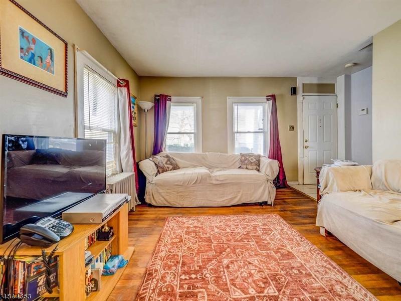 Maison unifamiliale pour l Vente à 606 ARGYLE Avenue Orange, New Jersey 07050 États-Unis
