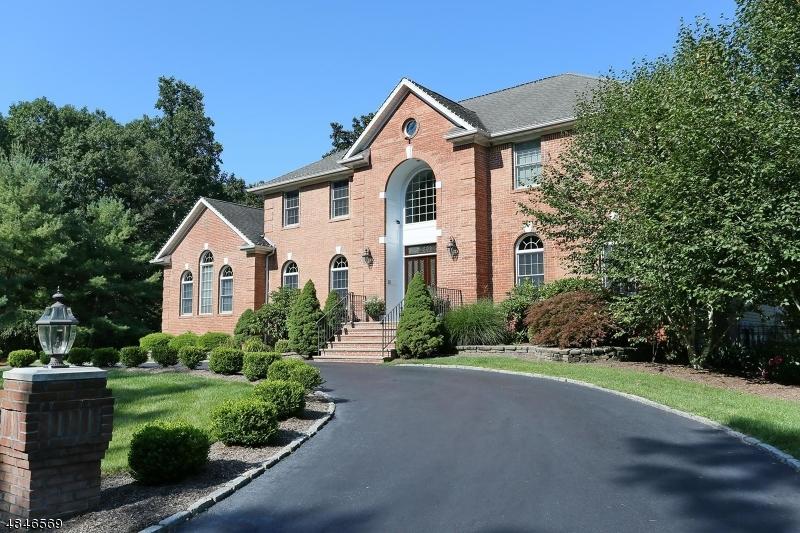 独户住宅 为 销售 在 110 FOUNTAIN Drive 令伍特, 新泽西州 07456 美国
