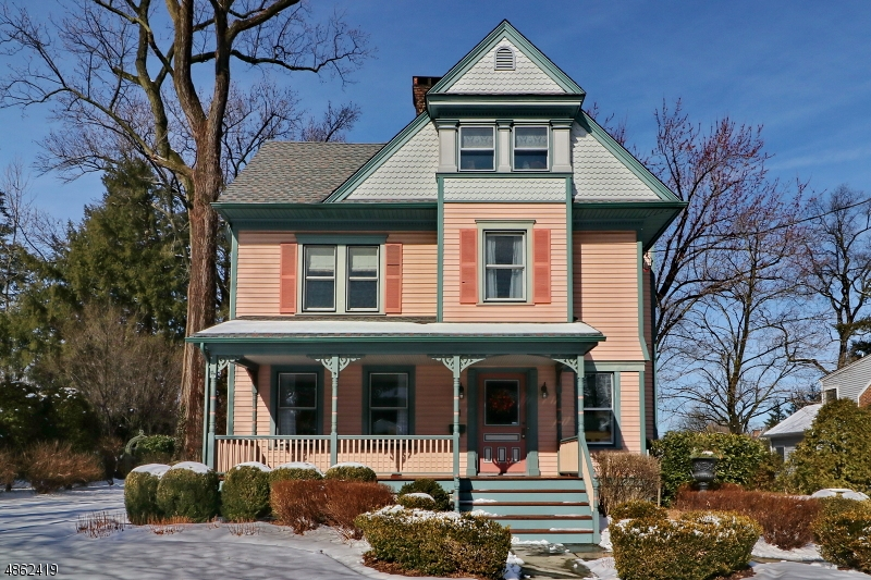 Single Family Home for Sale at 11 Pittsfield Street Cranford, New Jersey 07016 United States