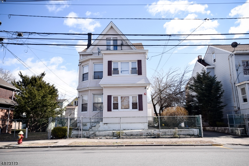 Villas / Townhouses for Sale at 441 E 27TH ST 441 E 27TH ST Paterson, New Jersey 07514 United States