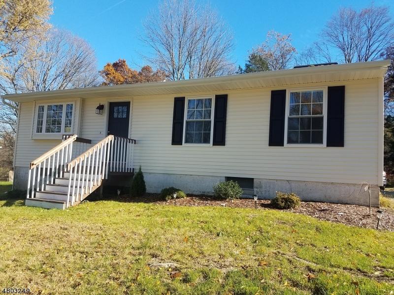 Tek Ailelik Ev için Satış at 11 Irving Place Andover, New Jersey 07860 Amerika Birleşik Devletleri