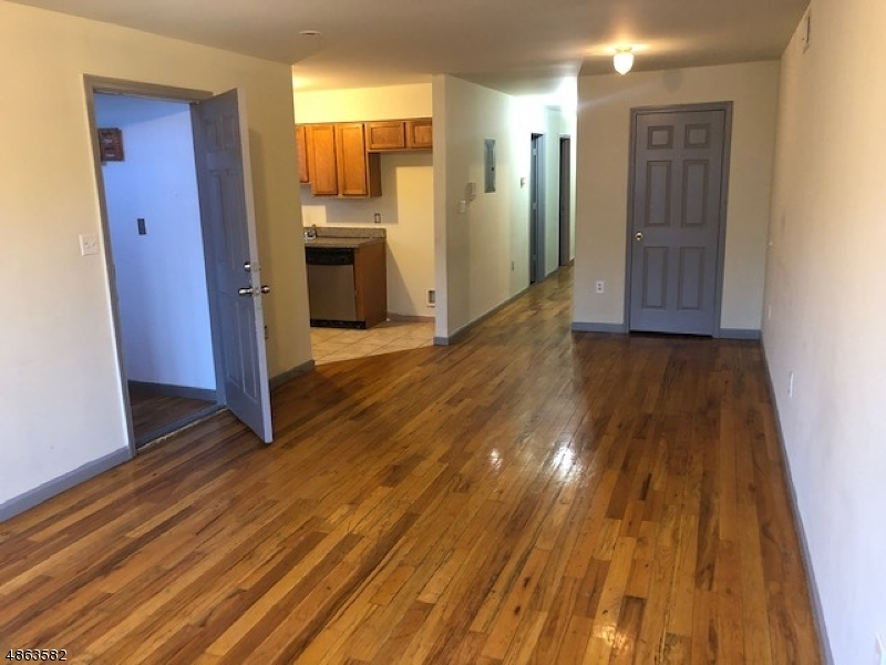 Property для того Продажа на 290 SUSSEX Avenue Newark, Нью-Джерси 07107 Соединенные Штаты