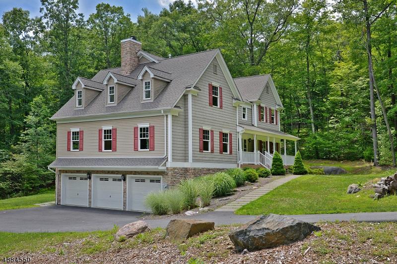 Villa per Vendita alle ore 220 WOOLEY Road West Milford, New Jersey 07480 Stati Uniti