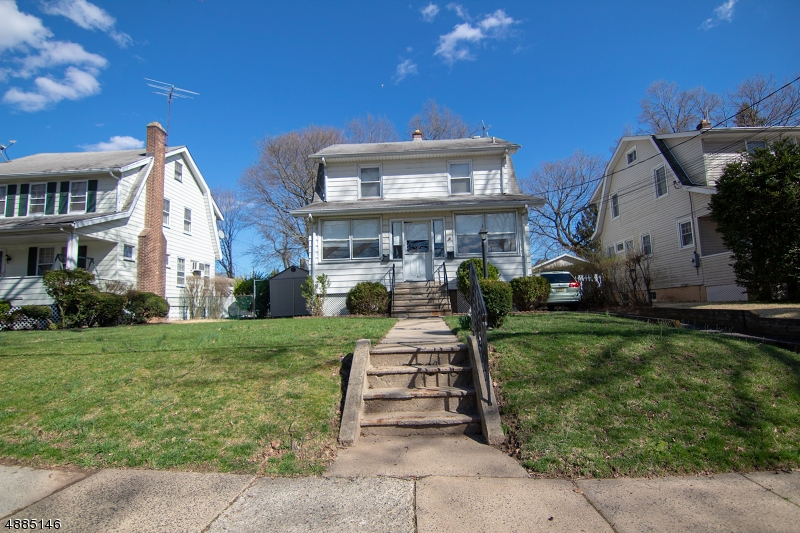 Maison avec plusieurs logements pour l Vente à 927 S PARK TER Union Township, New Jersey 07083 États-Unis
