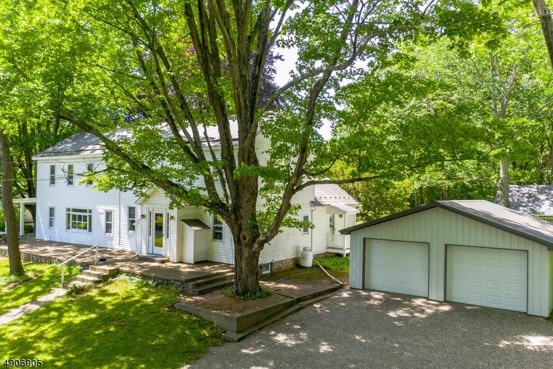 single family homes для того Продажа на Knowlton, Нью-Джерси 07832 Соединенные Штаты