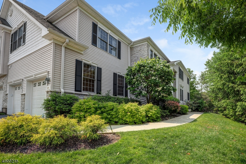 Condo / Townhouse for Sale at Roseland, New Jersey 07068 United States