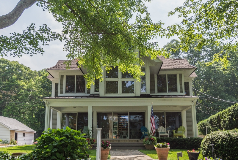 Single Family Homes vì Bán tại West Milford, New Jersey 07421 Hoa Kỳ