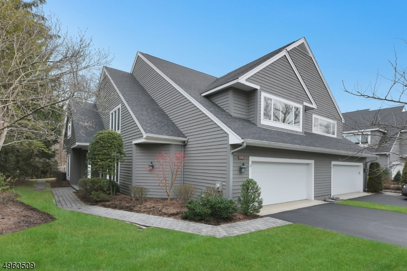 Condo / Townhouse for Sale at Wyckoff, New Jersey 07481 United States