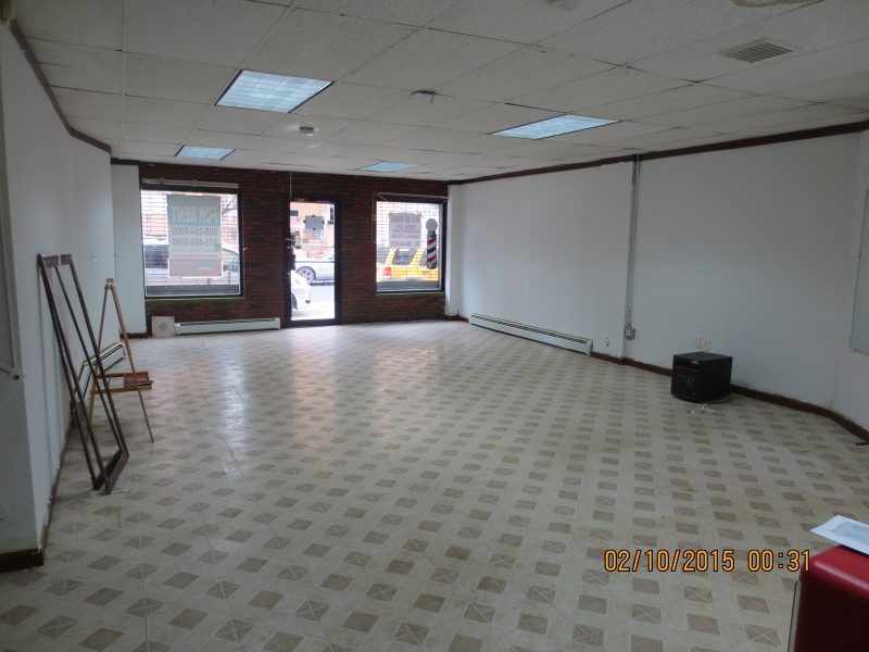 Additional photo for property listing at 84-86 3RD Street  Elizabeth, Нью-Джерси 07201 Соединенные Штаты