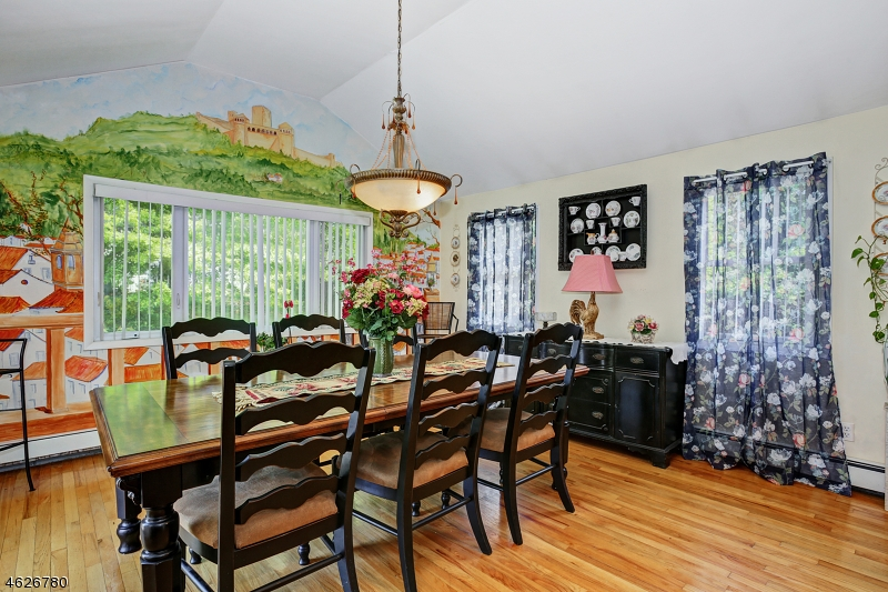 Additional photo for property listing at 366 Amherst Road  Linden, New Jersey 07036 États-Unis