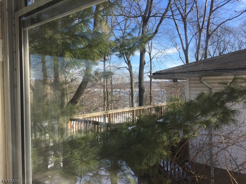 Additional photo for property listing at 8 Saint Lo Place  Hopatcong, Nueva Jersey 07843 Estados Unidos