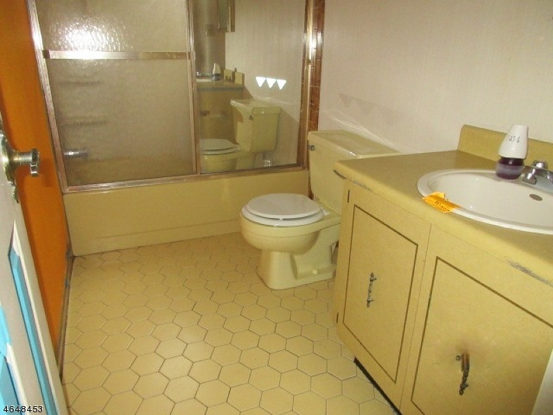 Additional photo for property listing at 720-B Marlborough Common  希尔斯堡, 新泽西州 08844 美国