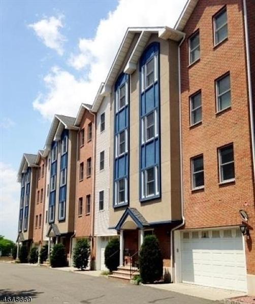 Частный односемейный дом для того Продажа на 620 38th Street Union City, 07087 Соединенные Штаты