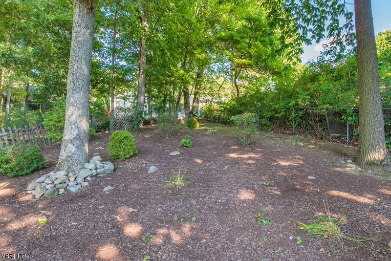 Additional photo for property listing at 18 Hilltop Drive  Rockaway, Nueva Jersey 07866 Estados Unidos