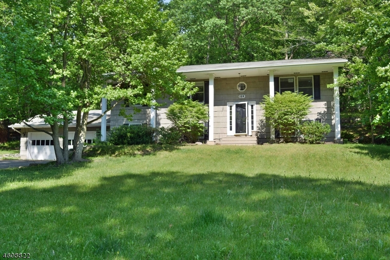 Additional photo for property listing at 125 Kitchell Lake Drive  West Milford, Nueva Jersey 07480 Estados Unidos