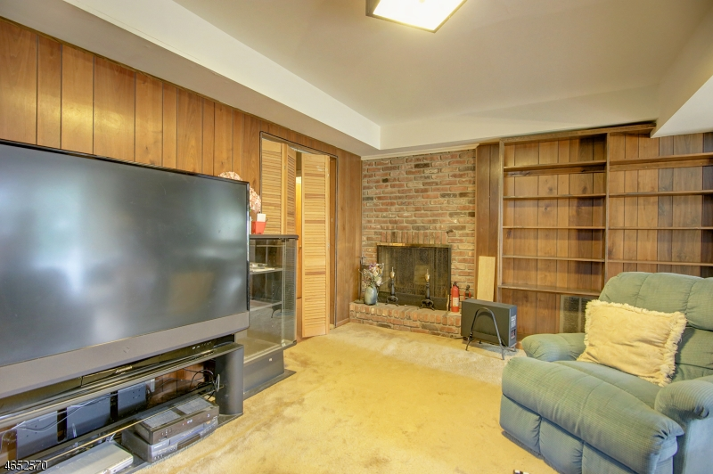 Additional photo for property listing at 52 Skyline Drive  Morristown, Нью-Джерси 07960 Соединенные Штаты
