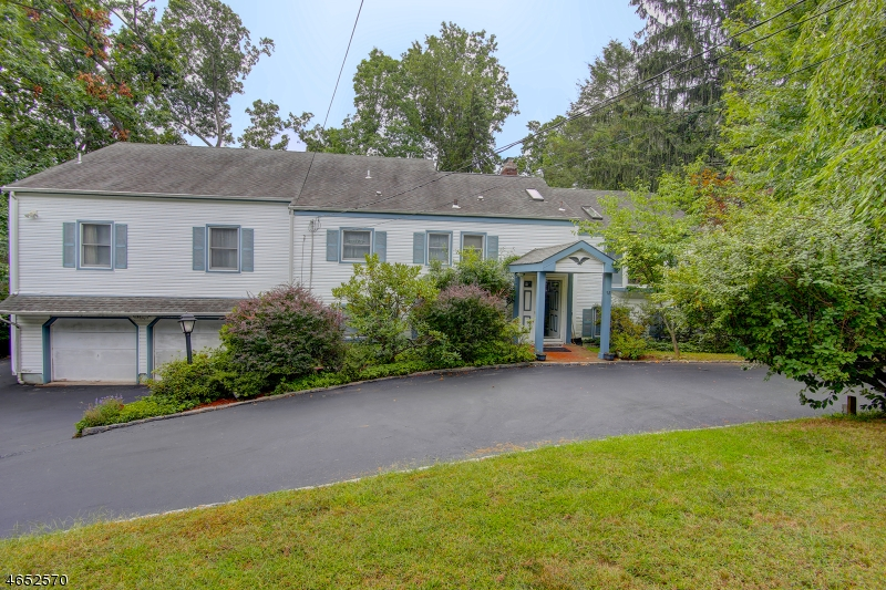 Additional photo for property listing at 52 Skyline Drive  Morristown, New Jersey 07960 États-Unis