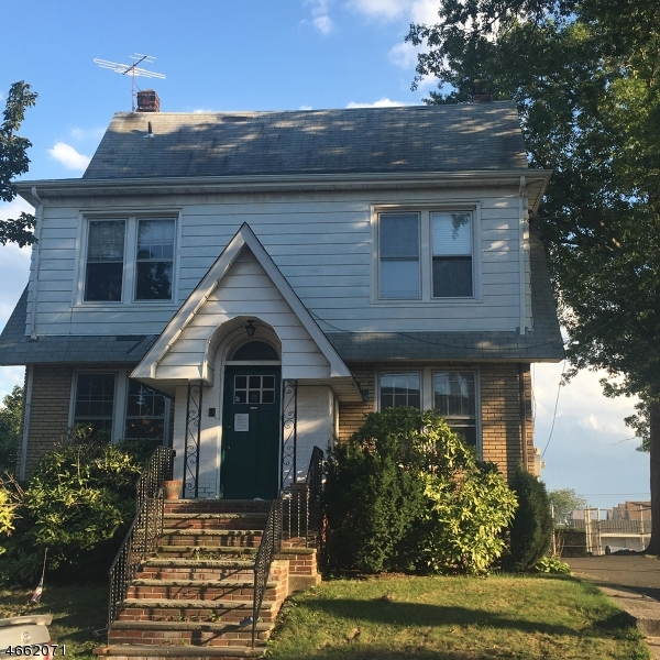 Additional photo for property listing at 155 E 1st Street  Clifton, New Jersey 07011 États-Unis