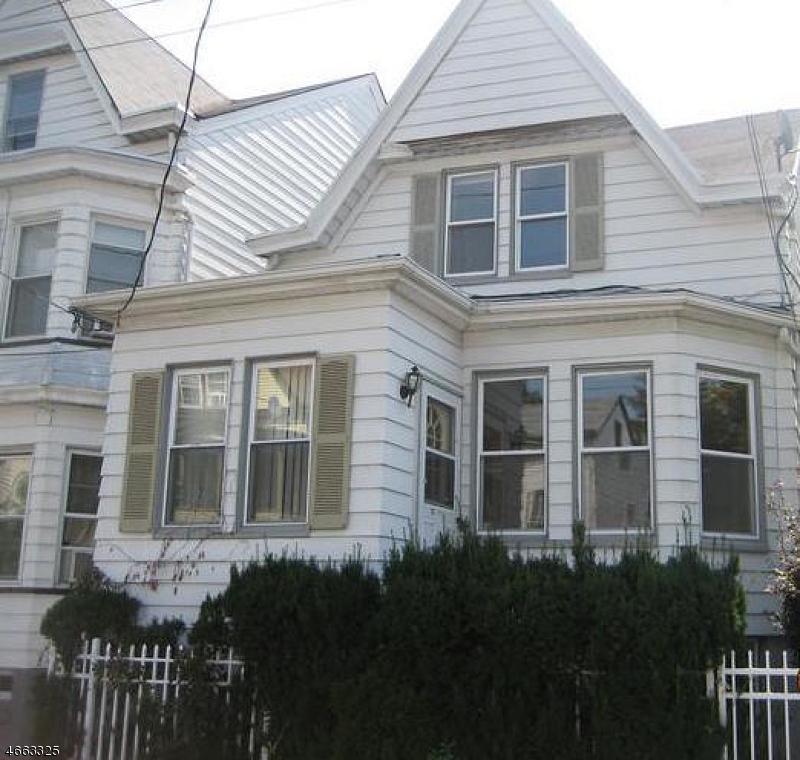 Частный односемейный дом для того Продажа на 164-166 LIBERTY Street Paterson, Нью-Джерси 07522 Соединенные Штаты