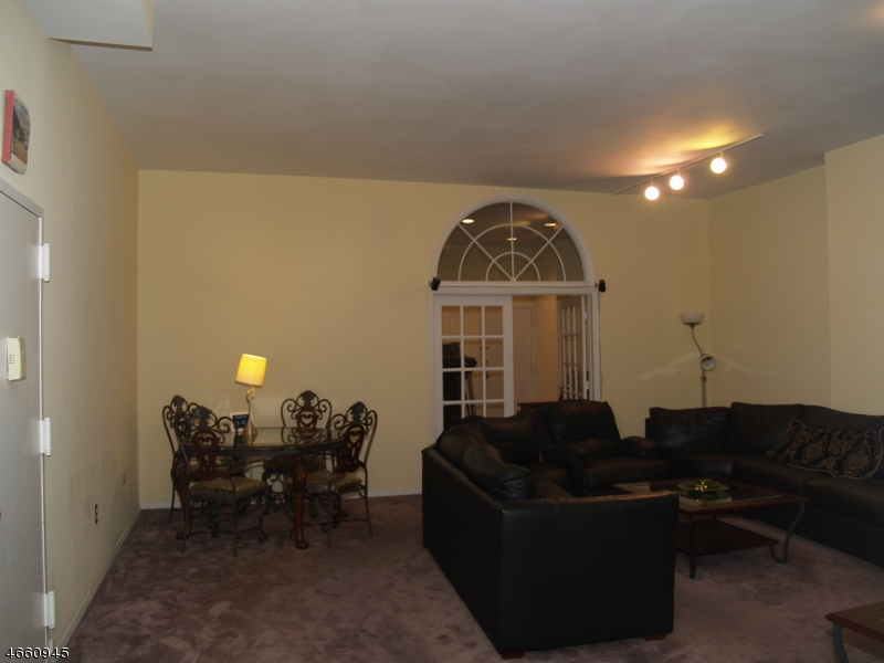 Additional photo for property listing at 111 Mulberry St 4-U  Newark, Nueva Jersey 07102 Estados Unidos