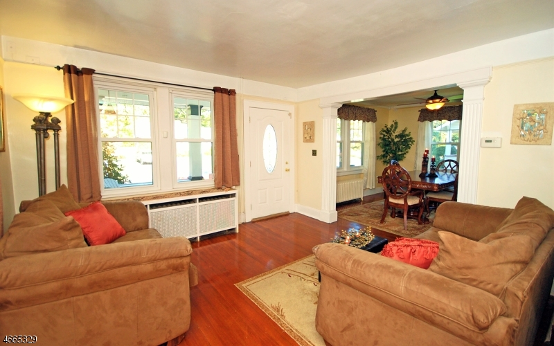 Additional photo for property listing at 245 WILLOW AVE EXT  Plainfield, Nueva Jersey 07060 Estados Unidos