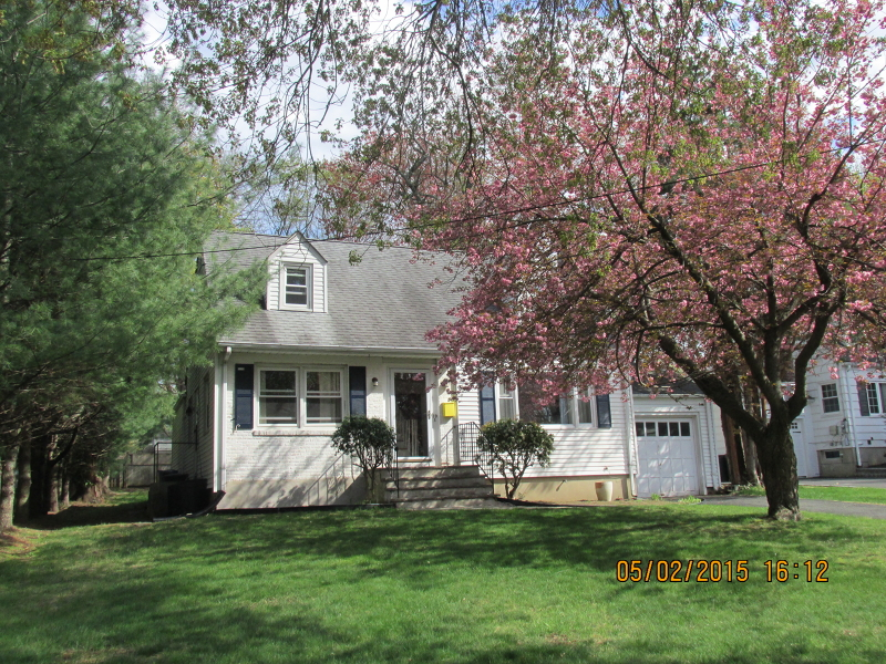 Maison unifamiliale pour l à louer à 19 Evergreen Avenue New Providence, New Jersey 07974 États-Unis