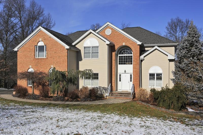 独户住宅 为 销售 在 71 Laura Drive Gillette, 07933 美国