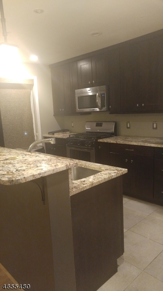 Casa Unifamiliar por un Alquiler en 69 Grove Street Plainfield, Nueva Jersey 07060 Estados Unidos