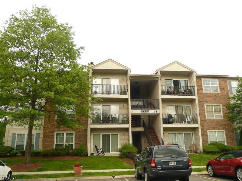 Частный односемейный дом для того Аренда на 122 ROBERTSON WAY Lincoln Park, Нью-Джерси 07035 Соединенные Штаты