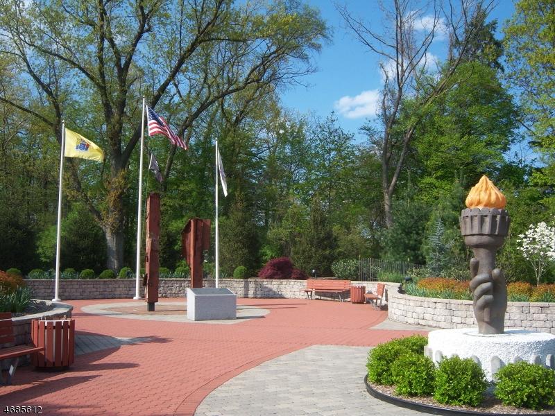 Additional photo for property listing at 151 Wild Hedge Lane  Mountainside, Нью-Джерси 07092 Соединенные Штаты