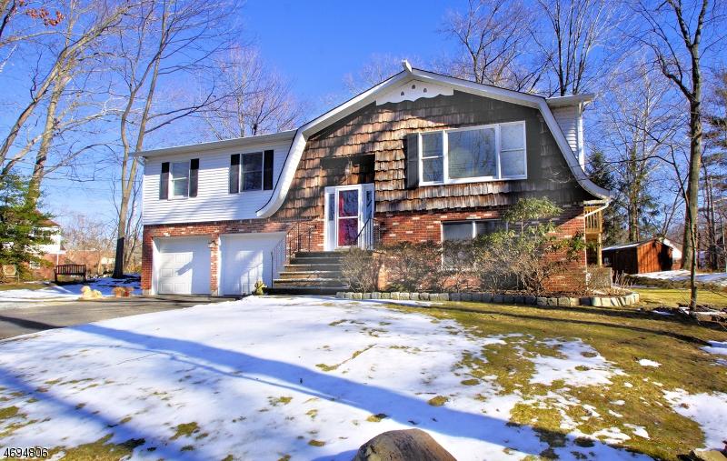 独户住宅 为 销售 在 196 Madison Avenue 新米尔福德, 新泽西州 07646 美国