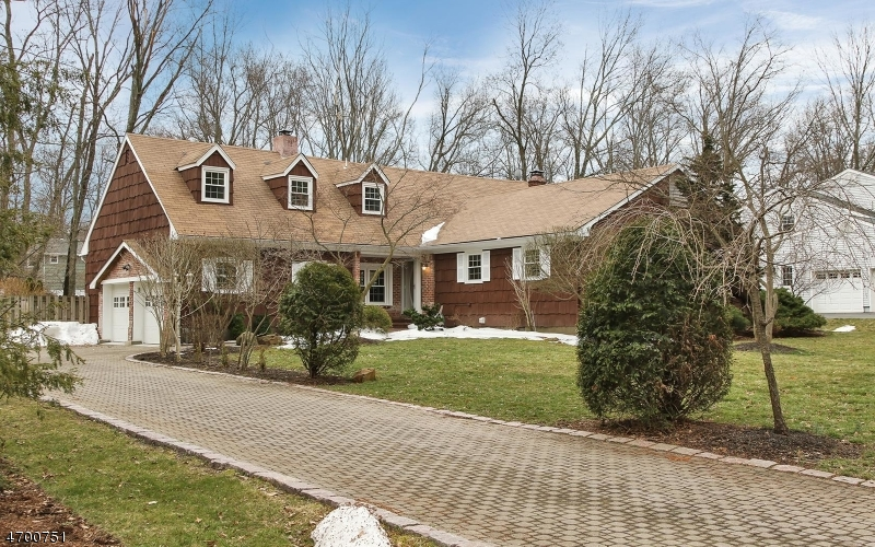 Single Family Home for Sale at 14 Morgantine Road Roseland, New Jersey 07068 United States