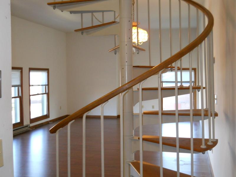 Частный односемейный дом для того Аренда на 21 Springfield Avenue Cranford, Нью-Джерси 07016 Соединенные Штаты