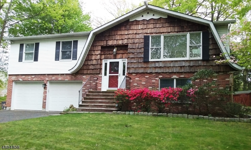 Single Family Home for Sale at 196 Madison Avenue New Milford, New Jersey 07646 United States