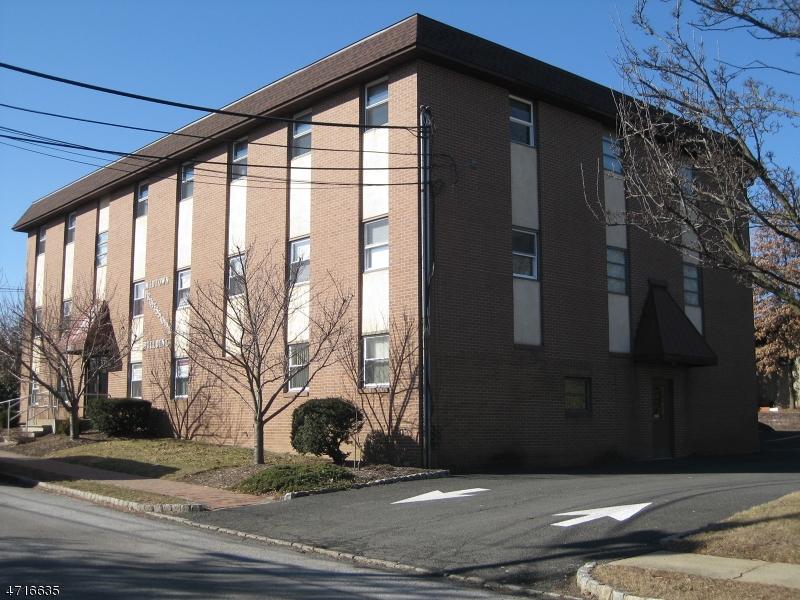 komerziell für Verkauf beim 230 Sherman Avenue 230 Sherman Avenue Berkeley Heights, New Jersey 07922 Vereinigte Staaten