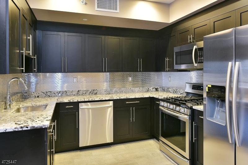 Casa Unifamiliar por un Alquiler en 8-10 WHITEHALL Road Montville, Nueva Jersey 07082 Estados Unidos