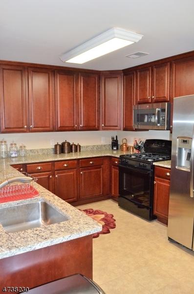 Additional photo for property listing at 169 Tarrington Rd, 402  Hardyston, Нью-Джерси 07419 Соединенные Штаты