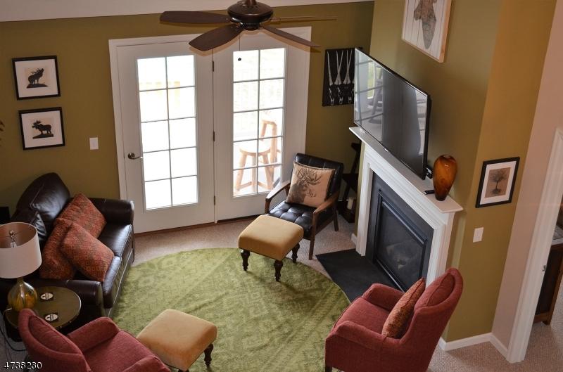 Частный односемейный дом для того Продажа на 169 Tarrington Rd, 402 Hardyston, Нью-Джерси 07419 Соединенные Штаты