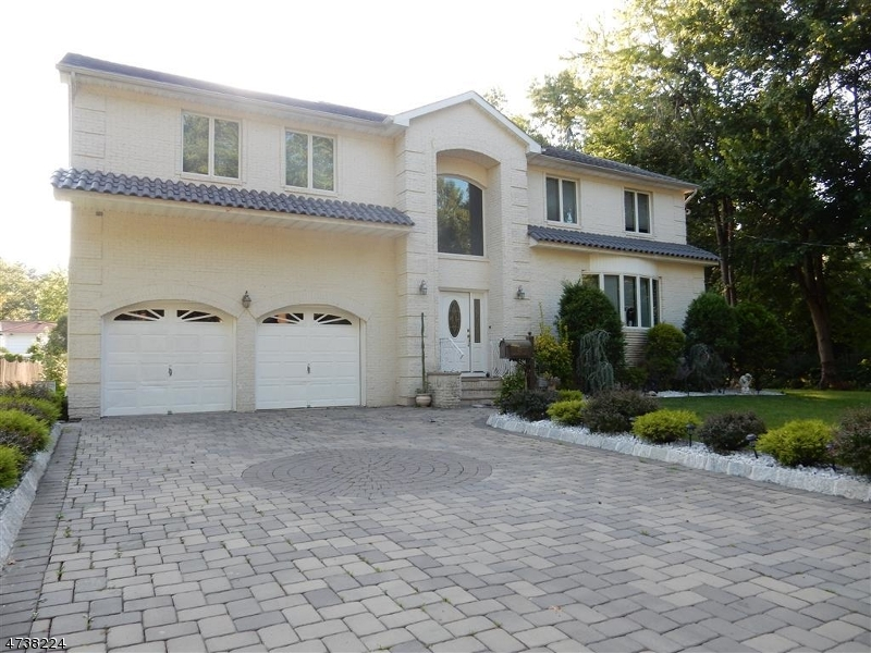 واحد منزل الأسرة للـ Sale في 67 BROOKSIDE TERR 67 BROOKSIDE TERR Clark, New Jersey 07066 United States